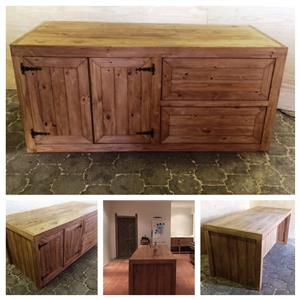 Kitchen Island Chunky Farmhouse series 2000 Stained