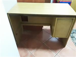 Nice desk for sale