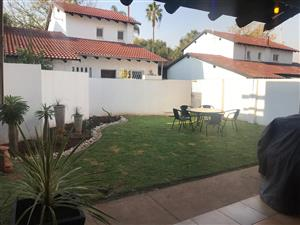 Lovely, spacious 3 bedroom house in Willow Park Mews, Willow Park Manor, Pta East