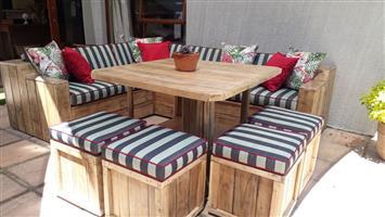 Extraordinary custom made pallet furniture!!!