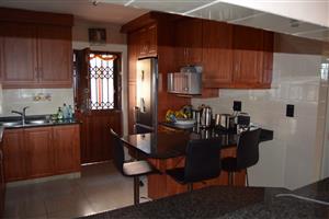 ON SHOW - SUNDAY 9 SEPTEMBER 2018, 2 - 4 PM - 3 BEDROOM HOME IN SHALLCROSS(SOLE MANDATE)