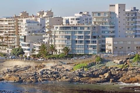 2.0 bedroomTo Rent   in BANTRY BAY