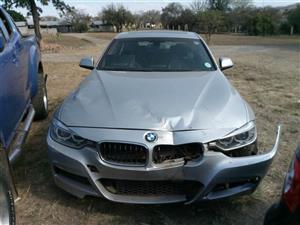 Damaged 20-14 BMW 320i M SPORT AT (F30)