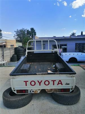 Single Cab land cruiser loadin for sale