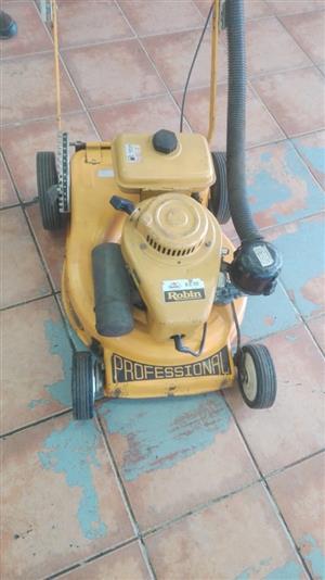 Robin Professional Lawnmower EC10
