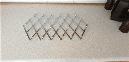Hot Plate Holder - Expandable To Cater For Different Size Requirements