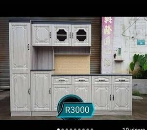 White wooden kitchen unit for sale