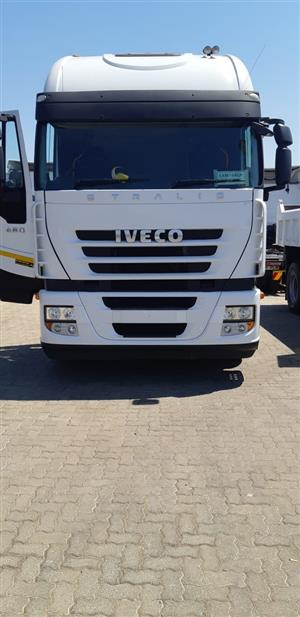 Iveco Strallis truck and Flat deck Link trailer for Sale