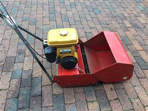 Professional Cylinder mower with Robin EY15