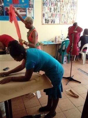 December Holidays Fashion/sewing short course