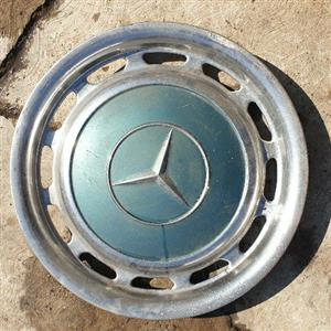 Mercedes Benz 230e wheel caps ×8