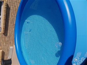 Swiming pool + swing