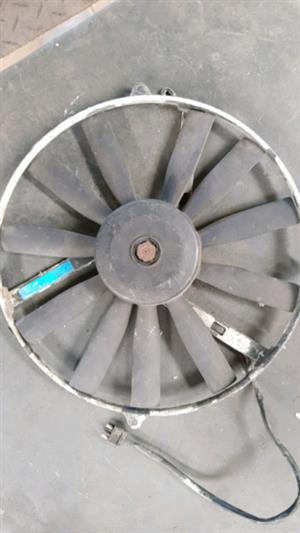 Mercedes-Benz M102 W124 Air Condenser Fan