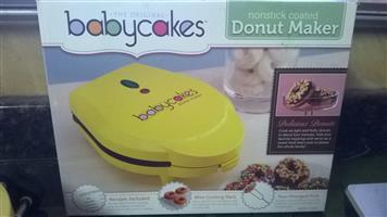 Babycakes donut maker brand new