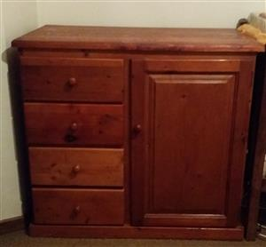 Oregon Pine Compactum with 4 drawers and 2 racks