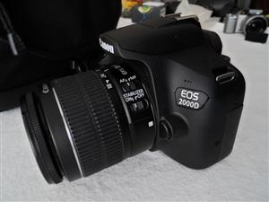 Canon EOS 2000D 24MP DSLR 18-55mm Lens Like New hardly used