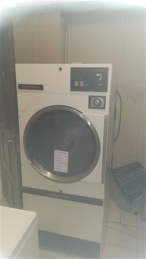 LAUNDROMAT FOR SALE WITH or WITHOUT  CONTRACT