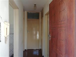 Beautiful and spacious 1 bedroom flat for sale in Proclamation Hill