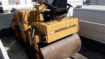 Ingersol rand 4 ton smooth drum ride on Roller