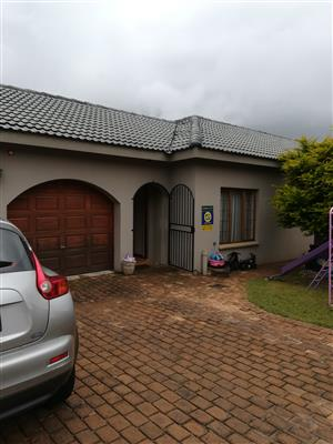Pragtige huis te huur in Florauna