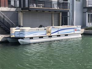 27ft Sun Tracker Pontoon Boat – Party Barge