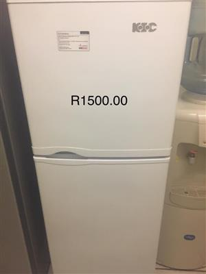 Kic fridge with top freezer