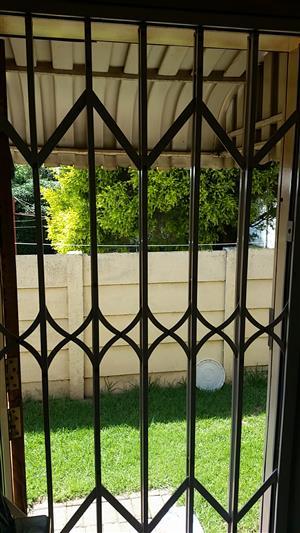 Single Maxi Door Security Gate For Sale