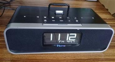 iHome iD91 – clock radio with Apple dock cradle. Model iD91. Made for iPod, iPhone, iPad.