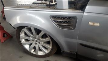 Range Rover Fenders for sale | AUTO EZI