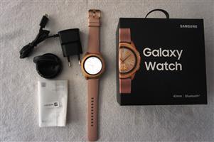Samsung Galaxy Watch 42mm GOLD LIKE NEW Spotless
