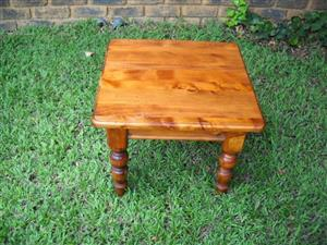 Pine coffee/ side table