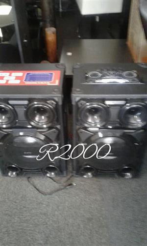 2 Large speakers for sale
