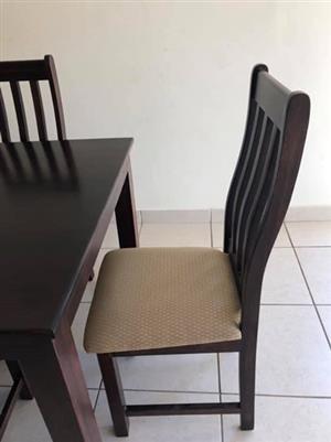 Imbuia wood 6 seater diningroom table & chairs