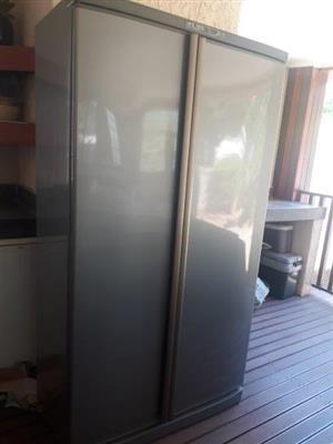 Defy double Door - Side by Side Fridge/Freezer - Freezer needs repair
