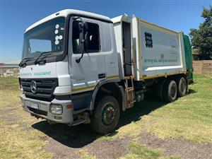 2008 M-Benz 3331 Compactor (6 available)