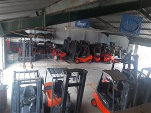 FORKLIFTS TO HIRE - DECEMBER