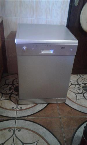 Defy dishwasher. Very good condition