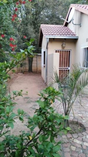 Buccleuch - bachelor cottage available R5400