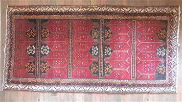 Brand new persian rug. 960*1.9.  imported from Albania. R7000 onco.  contact me on my cell 071 444 5677 . Leon