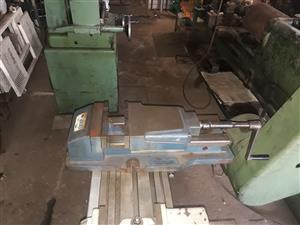 Vice Tool For Milling Machine 300 mm size