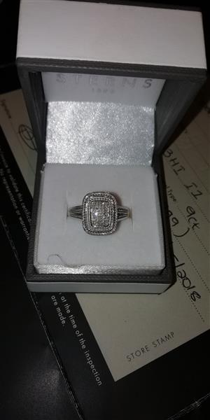 Sparkeling engagement Ring