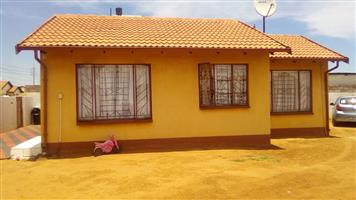 House for sale at Tembisa