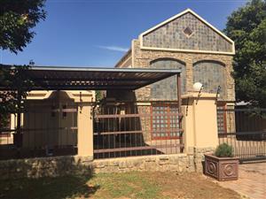 5 Bedroom House To Let in Lucky Bean Crescent, Moreleta Park