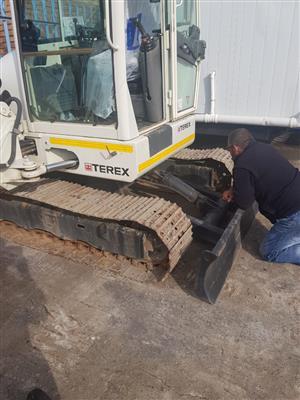 5 x low hour Terex 5 ton mini excavators for sale