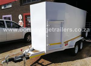 CUSTOM DOUBLE AXLE ENCLOSED TRAILER FOR SALE