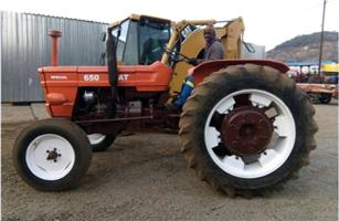 S3089 Orange Fiat 650 48kW 2x4 Pre-Owned Tractor