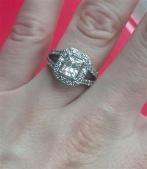 Stunning 2ct Diamond Ring