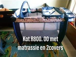 Kot met matrassie en 2 covers