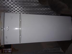 Whirlpool freezer for sale mahala price amount 2400