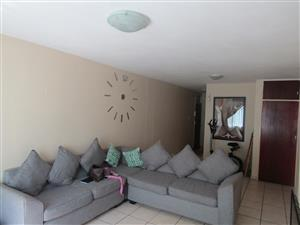 Spacious 2 Bedroom Flat in Pretoria North